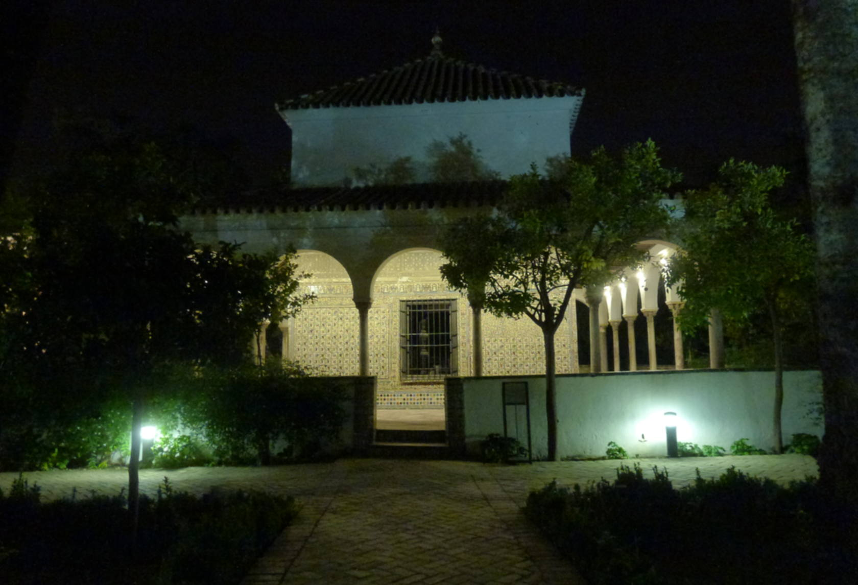 jardines de los reales alcázares, vista del cenador de la alcoba